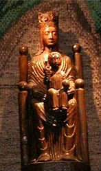 wooden-madonna-chartres